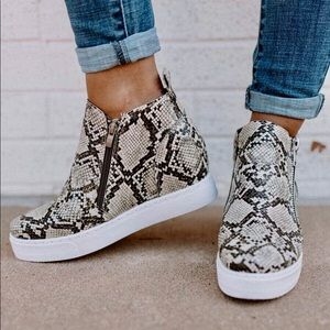 Shoes - Snake animal prints fashion wedge sneakers